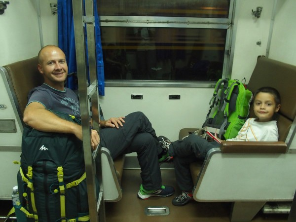 Syl20 et Anton dans le train de nuit