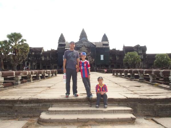 Angkor Wat - Syl20, Titouan et Anton