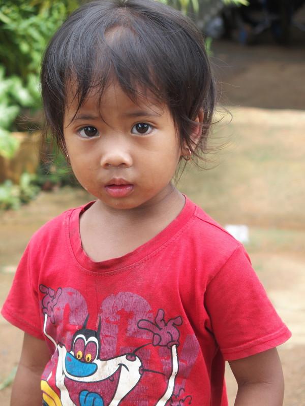 Fillette au village de pêcheurs - Battambang