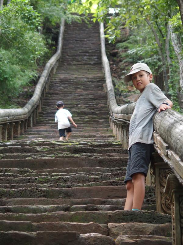 Titouan à Wat Banan - Battambang