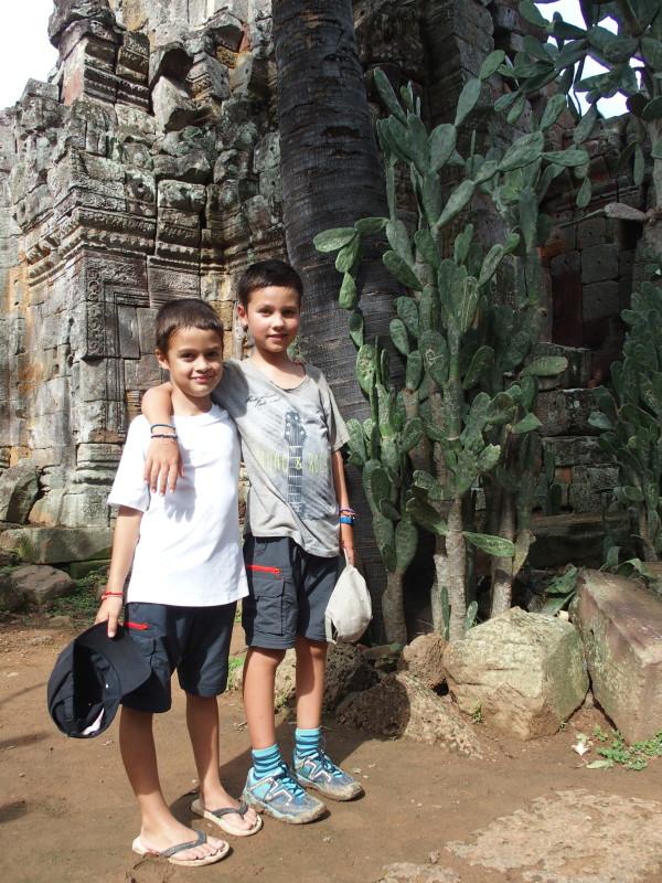 Titouan, Anton, les cactus et Wat Banan - Battambang