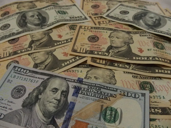 Dollars américains (USD)