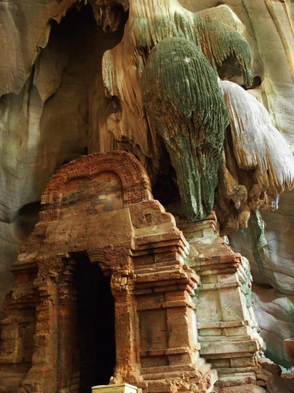 Grotte de Phnom Chnork à Kampot - temple pré-angkorien