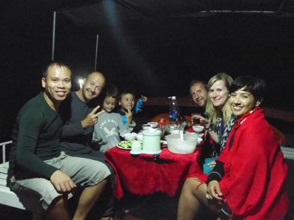 Tuan, Syl20, Anton, Titouan, François, Natacha et Cynthia - Baies d'Ha Long et Lan Ha - Vietnam