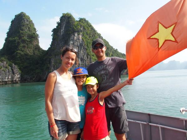 Guinou, Syl20, Titouan et Anton - Baies d'Ha Long et Lan Ha - Vietnam
