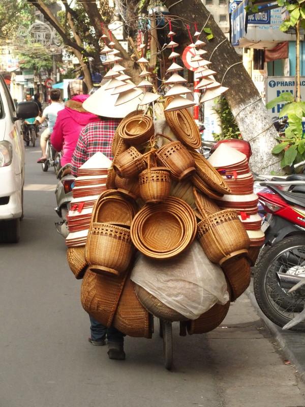 Vendeuse ambulante à vélo - Hanoi - Vietnam