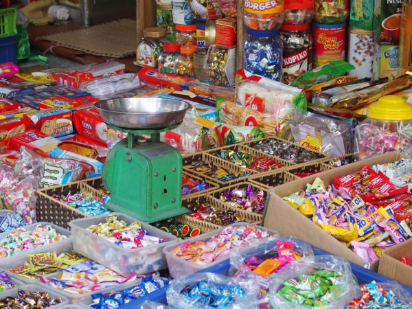 Boutique et balance typique - Hanoi - Vietnam
