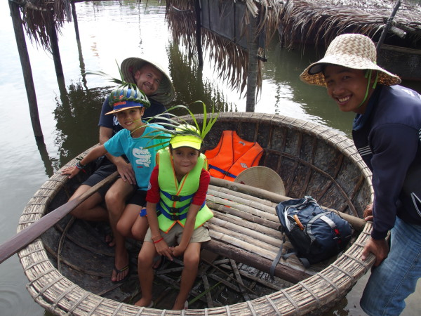 Dung dans les palmiers d'eau - Hoi An - Vietnam