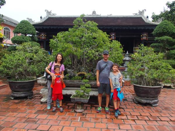 Dans un jardin de bonsaïs - Huê - Vietnam