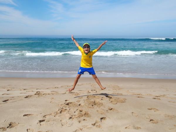 Great Ocean Road - Anton saute à Johanna beach - Australie